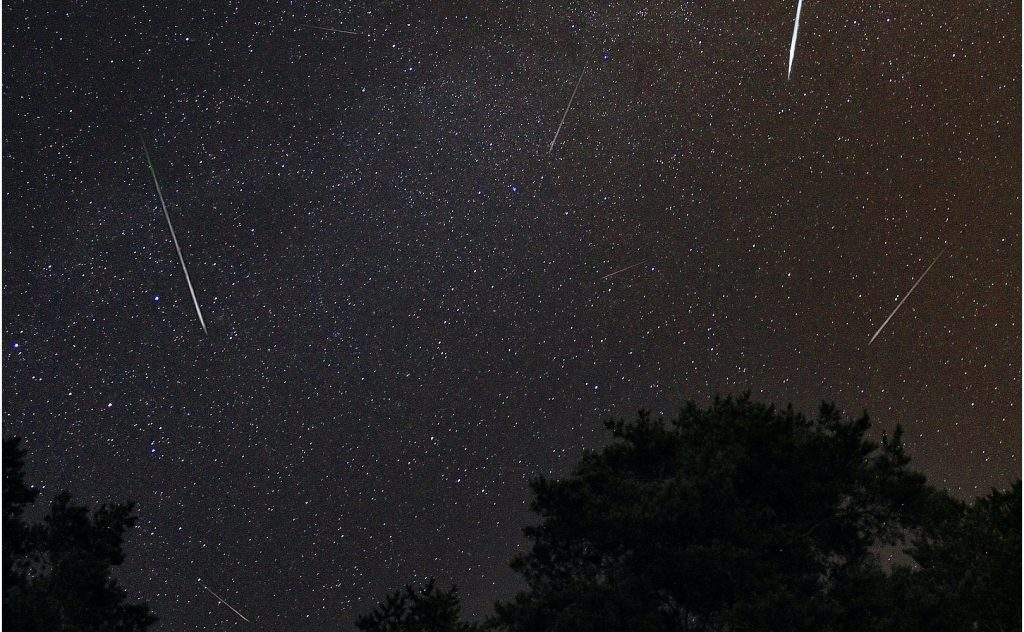 Maximum Perseid meteor showers in 2021