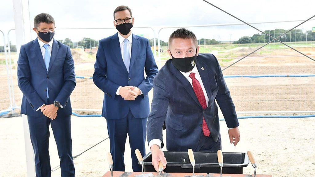 W uroczystości  wmurowania kamienia węgielnego wziął udział m.in premier Polski (fot. PAP/Maciej Kulczyński)
