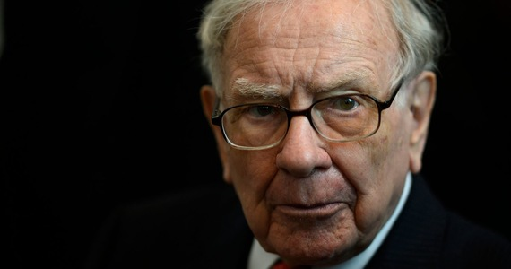 Warren Buffett in a bull market: Don't follow the investor flock