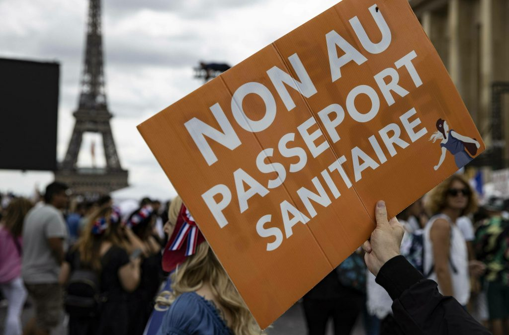 """Mass protests against """"health passports"""""""