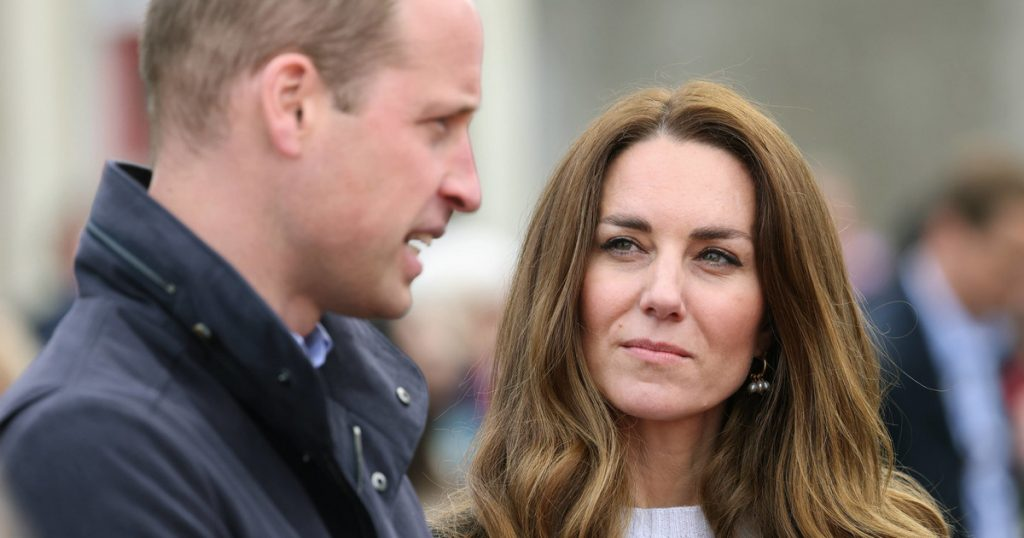 """""""You are awesome.""""  William was surprised by Kate's words"""