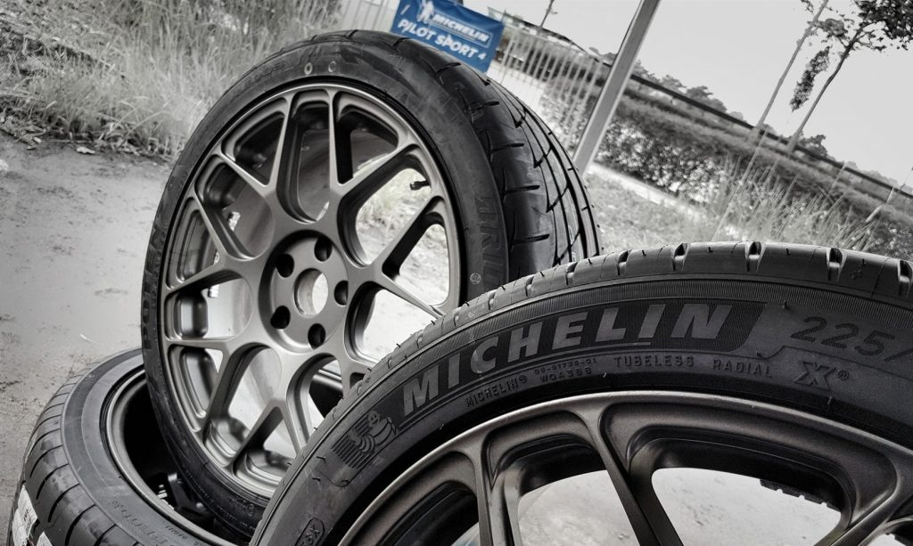 Car tires will undergo huge revolutions!  In three years they won't have to pump it!