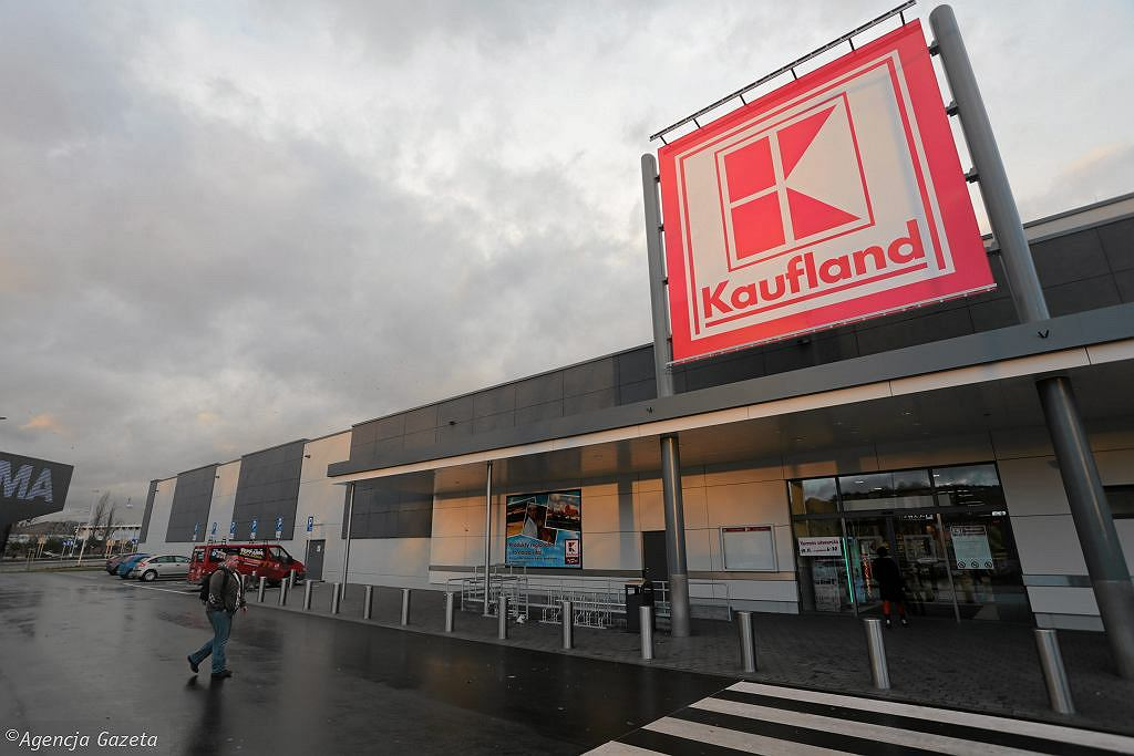 Kaufland bypasses trade embargo.  Stores will be open on non-trading Sundays from September 5 [LISTA]