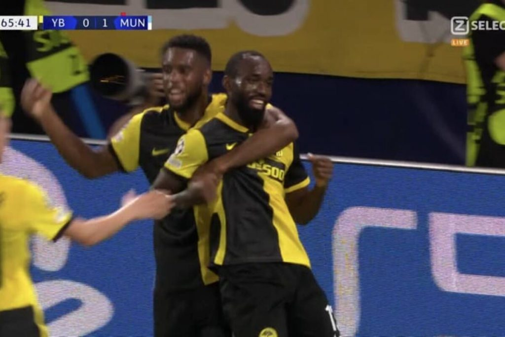 """Manchester United's exciting slip!  """"Red Diabły"""" lost to Young Boys [WIDEO]"""