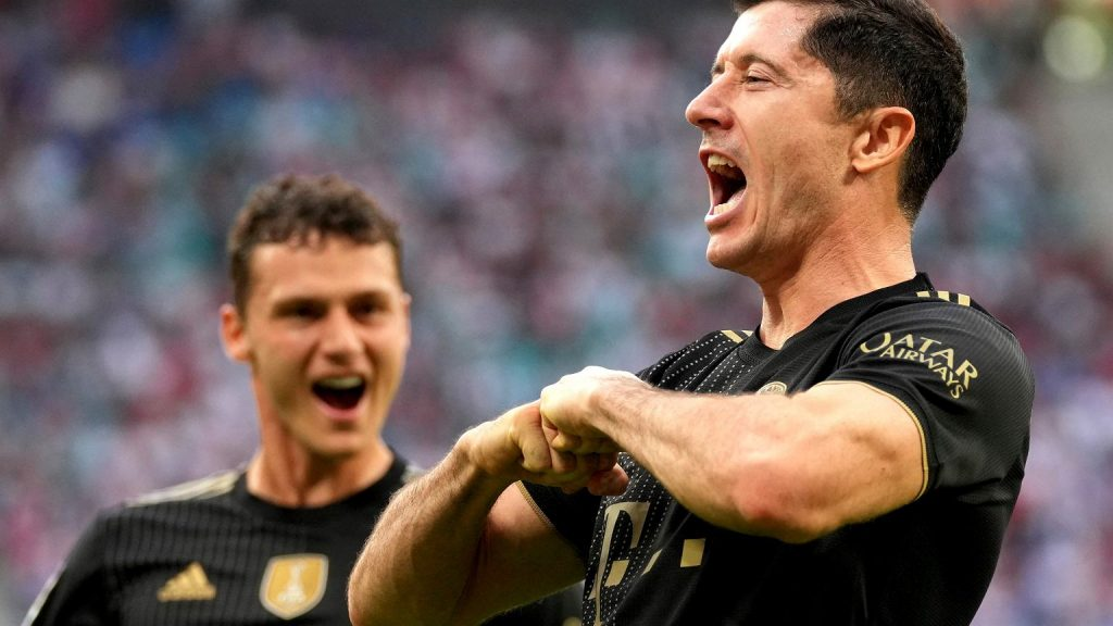 Robert Lewandowski may catch up with Mueller again!  One match in football history