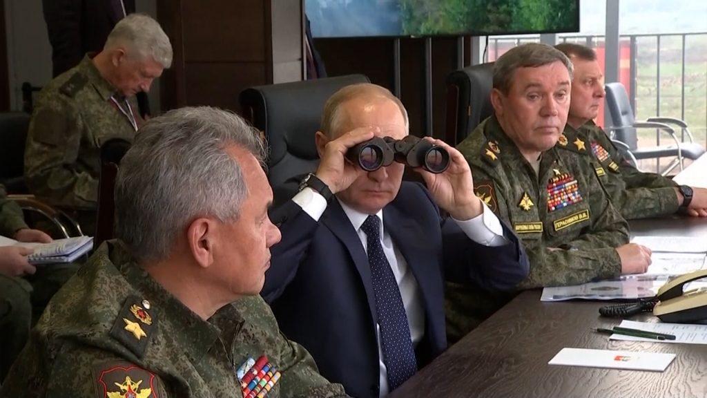 Vladimir Putin in the training ground.  New combat equipment during Zapad-21 . exercises