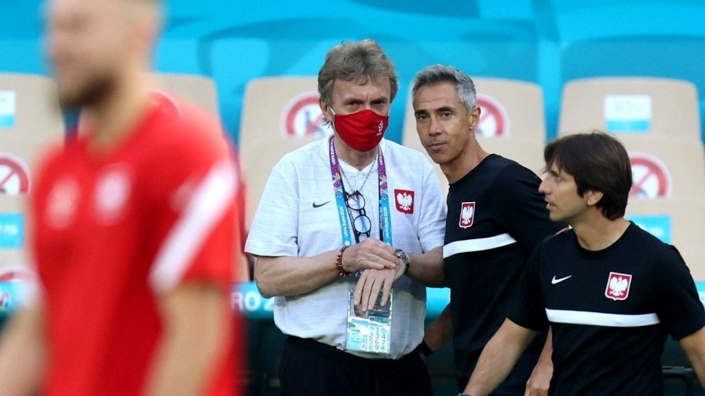 """Zbigniew Bunic appealed to the fans after the match against Albania.  """"The People"""" of the Polish national team"""