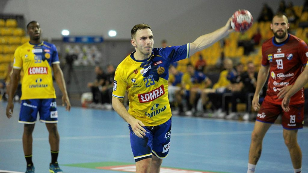 £om¿a Vive Kielce with the first win in the Champions League!  Hungarians defeated