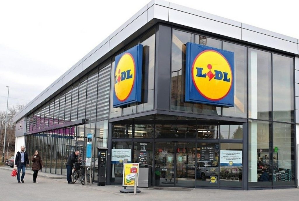 These Lidl stores in Kielce are open all week.  You can shop here on non-commercial Sundays [LISTA]