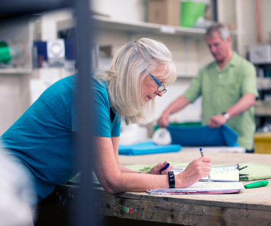 More and more seniors in the labor market: compulsion or passion?