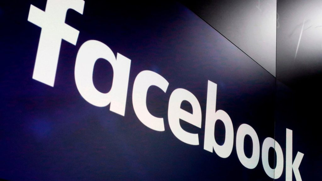 Facebook crash.  It's happening again, more and more user reports