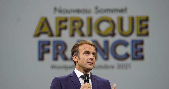 Emmanuel Macron: France will return artworks looted in 19th century Benin