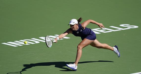 Indian Wells WTA.  Iga Świątek wins with Weronika Kudirmietowa
