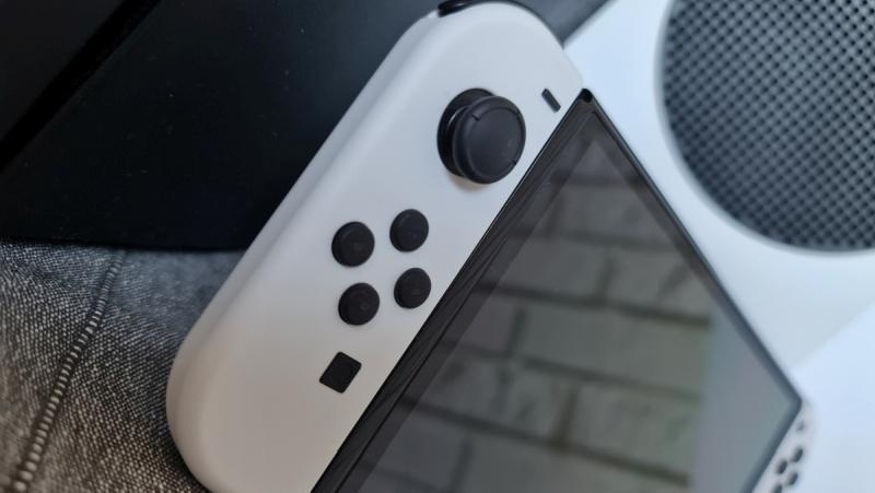 Nintendo Switch OLED Review - Joy-Con