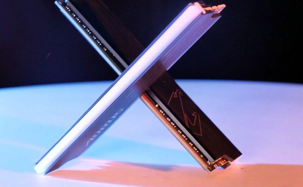Record overclocking of DDR5 RAM - 8000MHz on Intel Z690 . platform