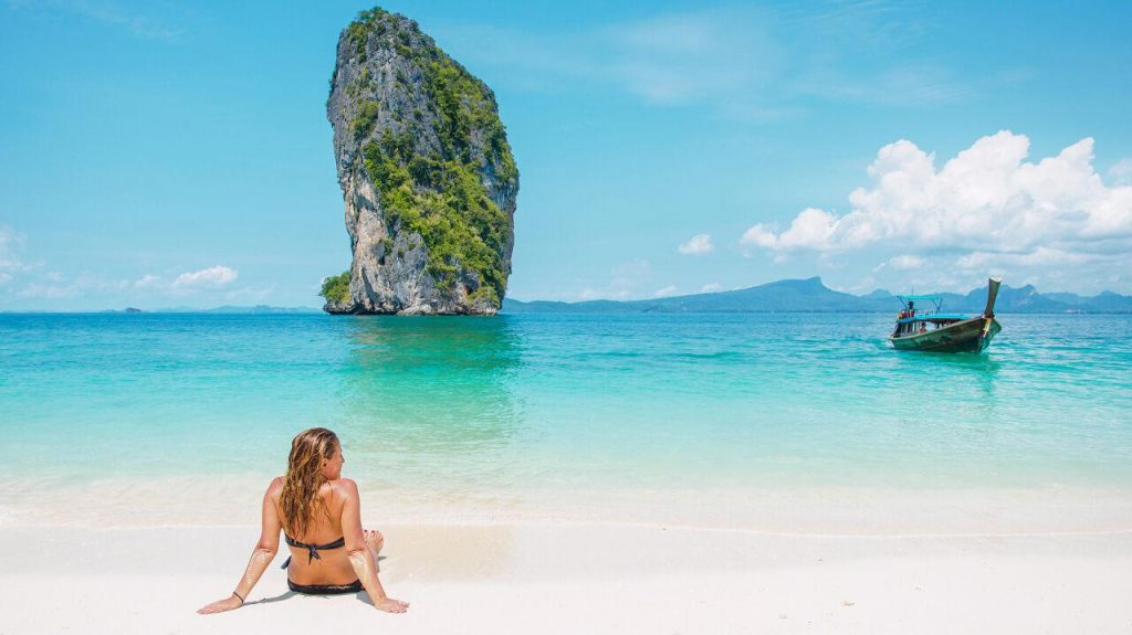 Thailand charges fees for tourists